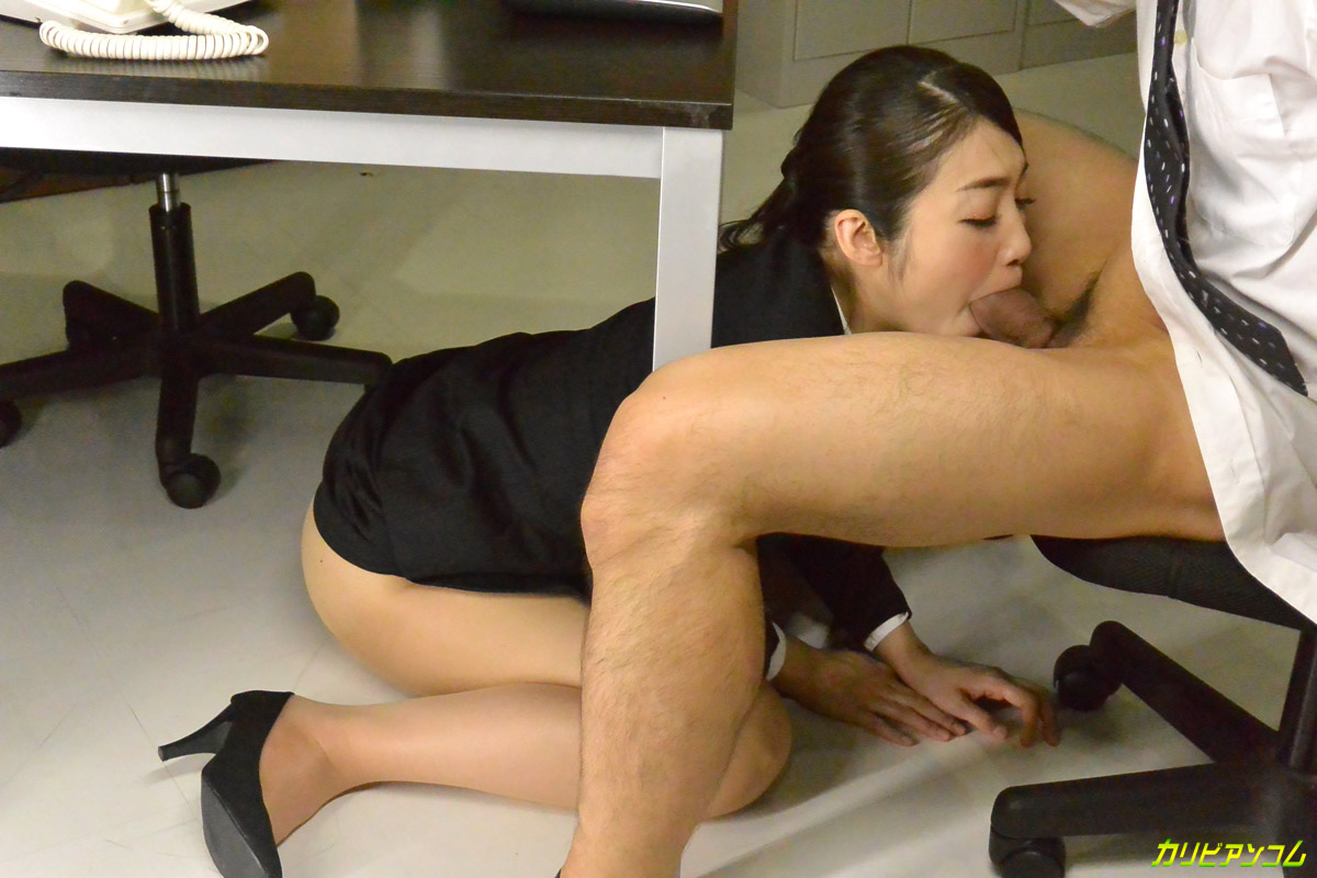 That office slut adores hardcore fuck