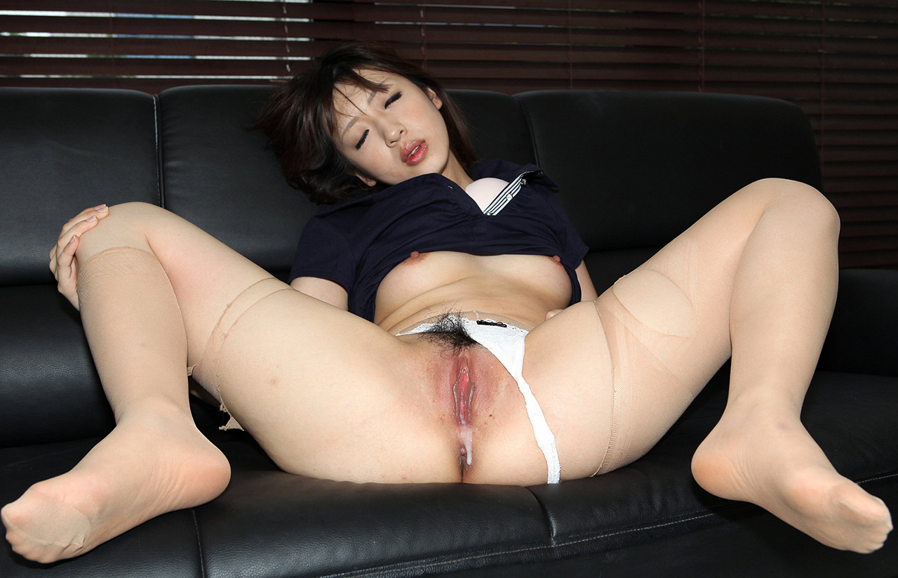 black girl japanese home humping table corner kung pao pussy