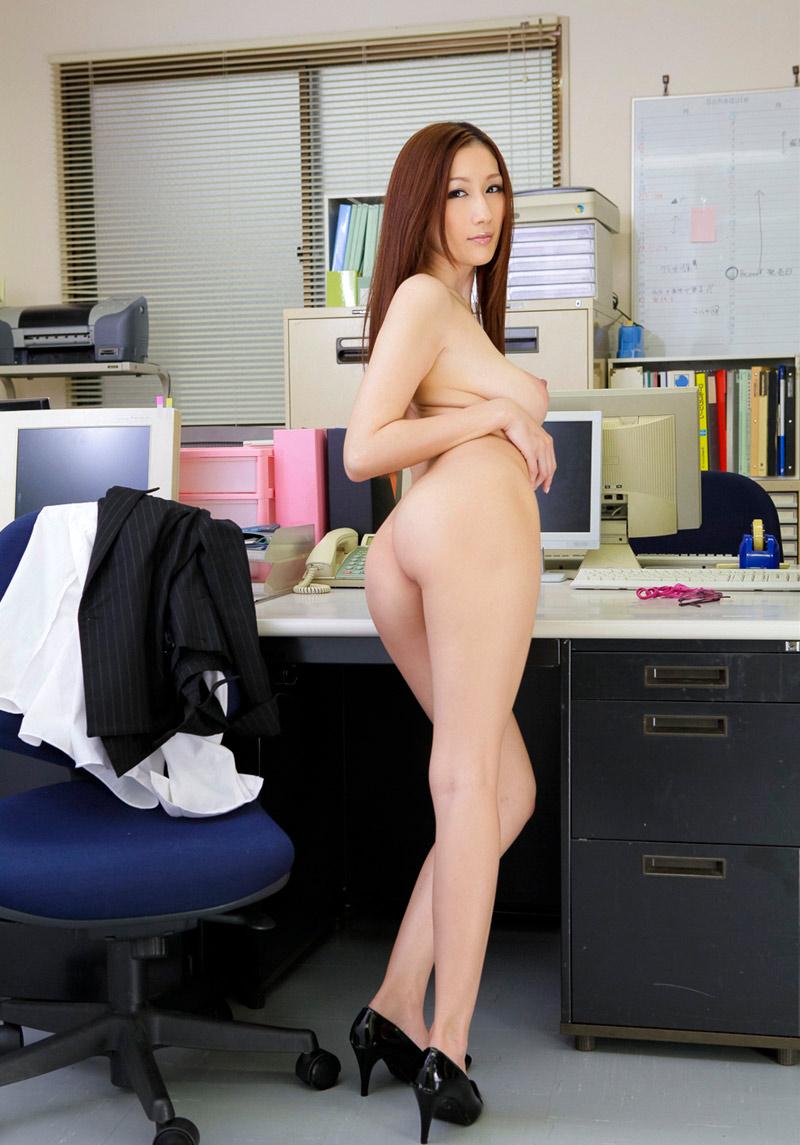 nude-office-ladies