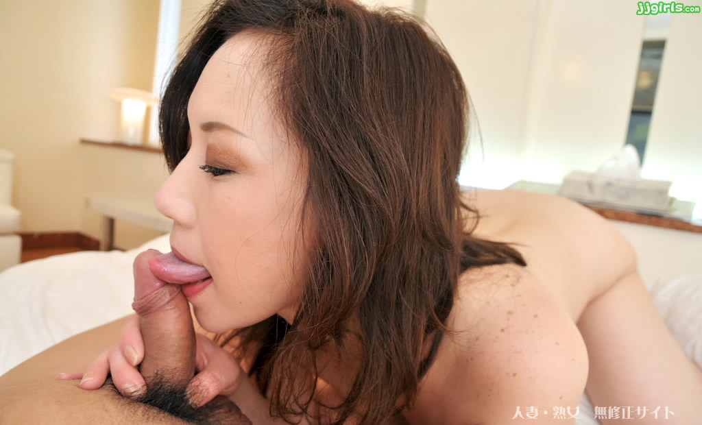suck-japan-anal-girl